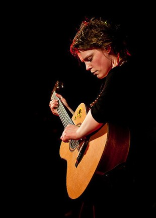 Wallis Bird im Festzelt vorm Burgtheater 03/2011